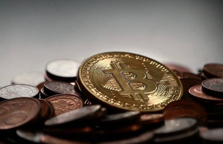 Bitcoin, kryptoměny