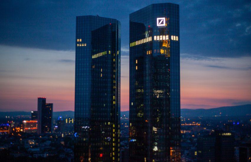 Deutsche Bank navzdory koronaviru dosáhla čtvrtletního zisku