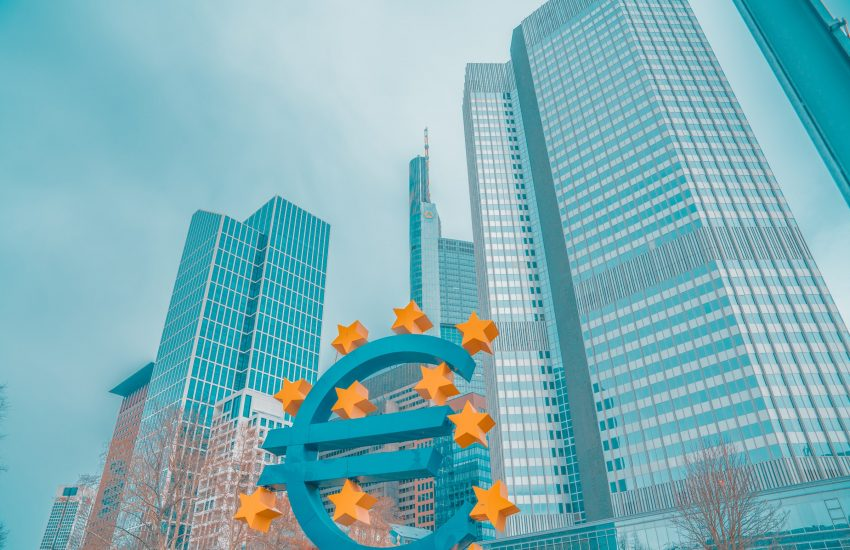 Ekonomická aktivita v eurozóně se po koronaviru vrátila k růstu
