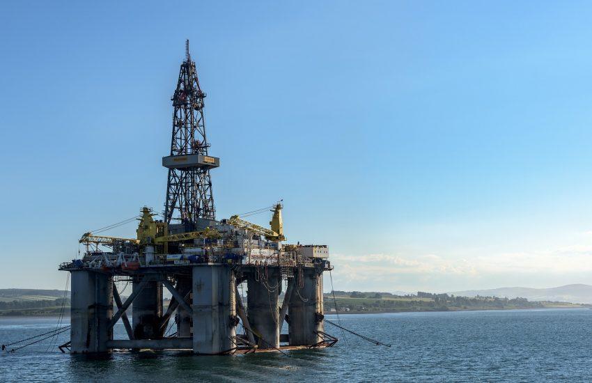 Ceny ropy se drží blízko pětiměsíčního maxima