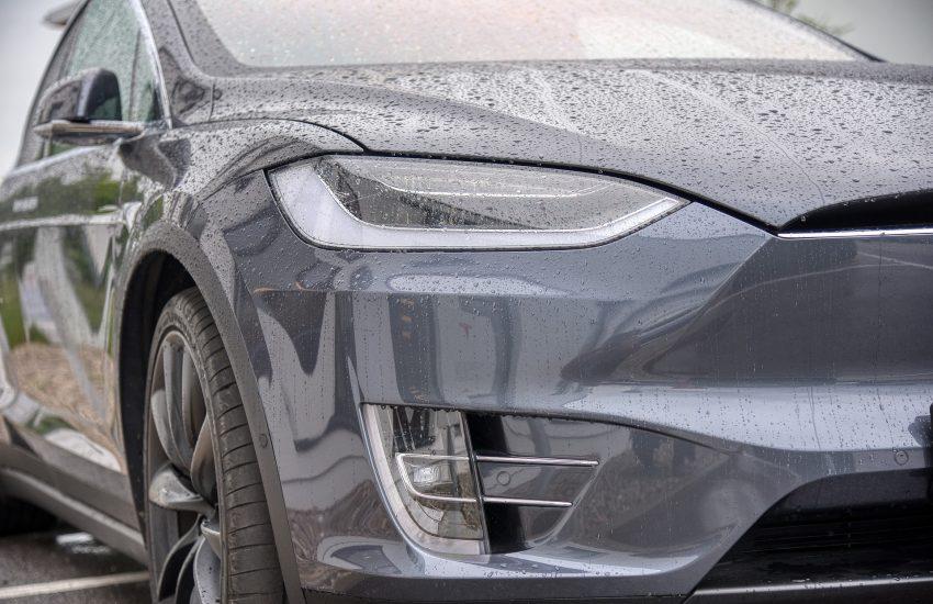 Tesla rozdělí své akcie v poměru pět ku jedné
