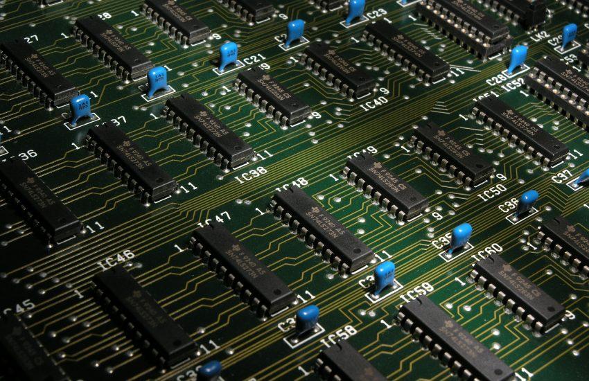 mikročipy, základní deska