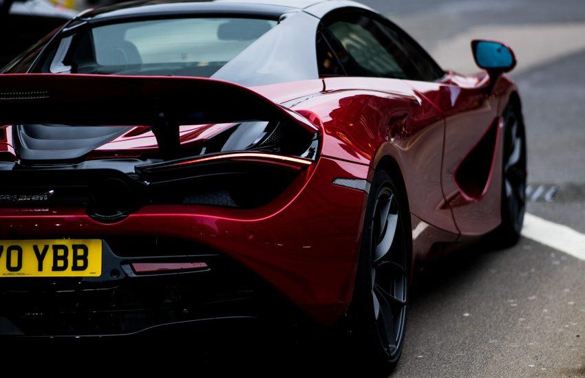 Top 5 luxusních aut, kterými jezdí bohatí