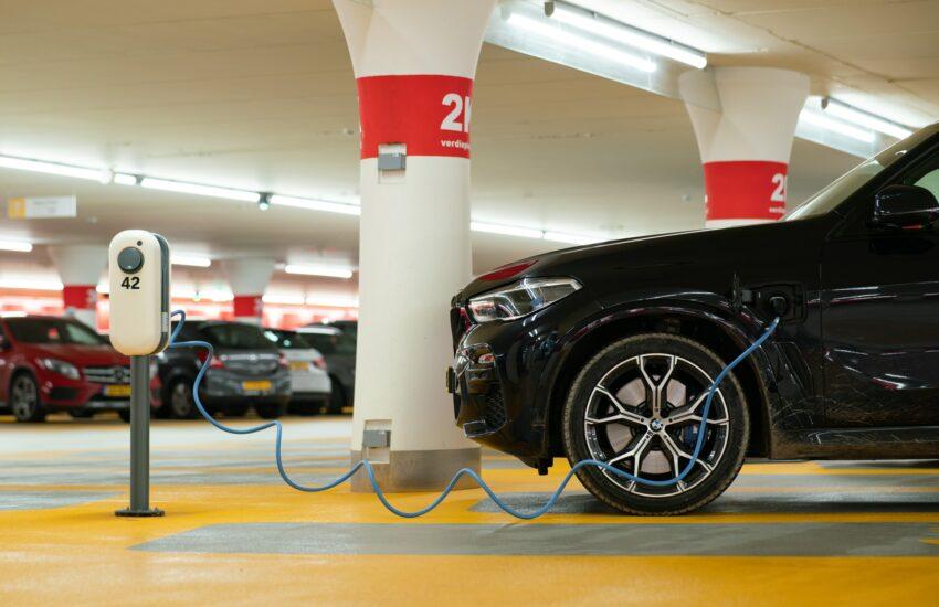 elektromobilita, elektromobil, elektroauto, dobíjecí stanice